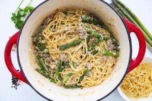 Creamy-Sausage-Asparagus-Pasta-in-a-pot