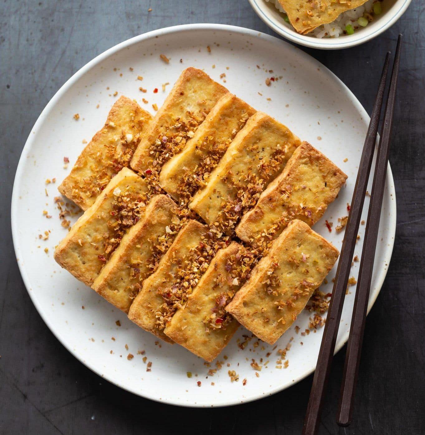 Vietnamese-Lemongrass-Chili-Tofu-Dau-Hu-Chien-Sa-Ot-1-1365x2048